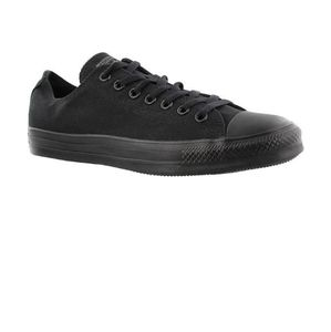 CONVERSE - Black Low Chuck Taylor's